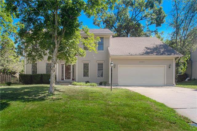1009 S 17th Terrace, Leavenworth, KS 66048 (#2344035) :: Dani Beyer Real Estate
