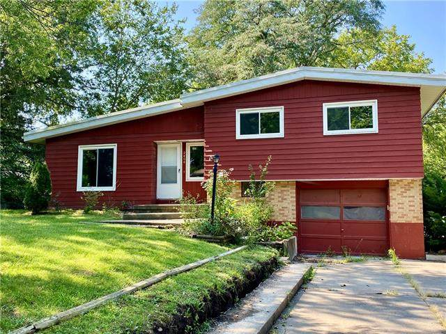 2404 Spring Garden Street, Leavenworth, KS 66048 (#2344083) :: Tradition Home Group   Compass Realty Group