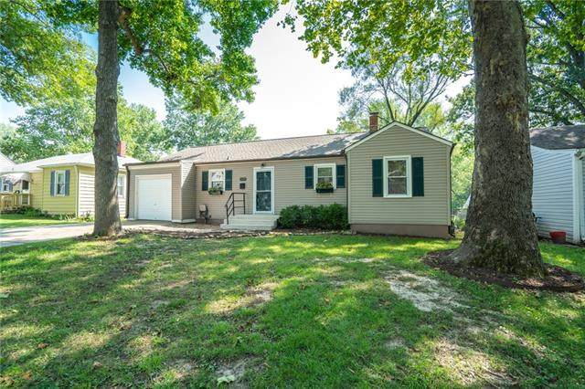 1429 W Scott Place, Independence, MO 64052 (#2344099) :: Eric Craig Real Estate Team
