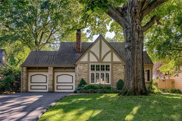 5435 Aberdeen Road, Fairway, KS 66205 (#2344136) :: Tradition Home Group | Compass Realty Group
