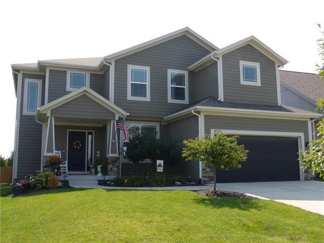 18935 W 166th Terrace, Olathe, KS 66062 (#2344140) :: Ron Henderson & Associates