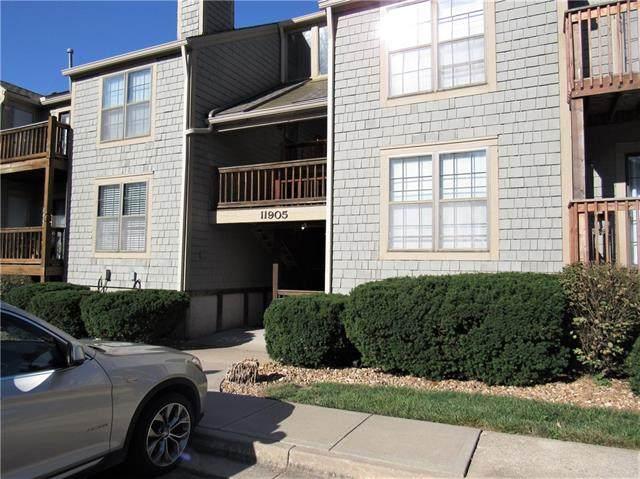 11905 W 58th Terrace E, Shawnee, KS 66216 (#2344166) :: Austin Home Team