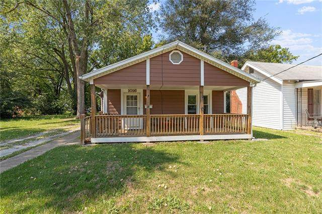 1016 S Emery Street, Independence, MO 64050 (#2344214) :: Tradition Home Group | Compass Realty Group