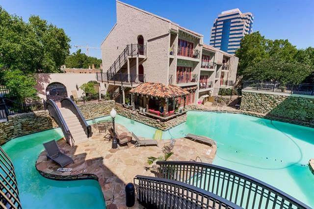 1111 W 46th Street #16, Kansas City, MO 64112 (#2344314) :: Eric Craig Real Estate Team