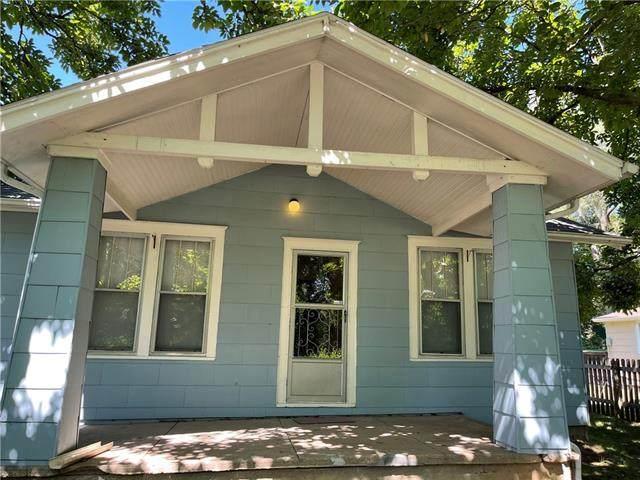 300 1st Street, Ferrelview, MO 64163 (#2344365) :: Eric Craig Real Estate Team
