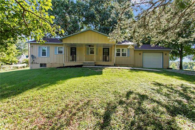 502 Missouri Avenue, Edgerton, MO 64444 (#2344374) :: Austin Home Team