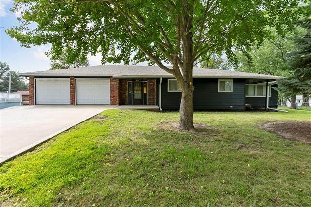 10700 N Mcgee Street, Kansas City, MO 64155 (#2344411) :: Austin Home Team