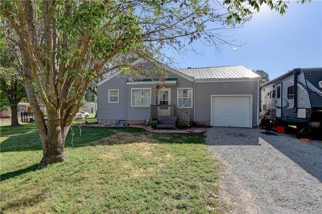 205 S Central Street, Buckner, MO 64016 (#2344472) :: Austin Home Team