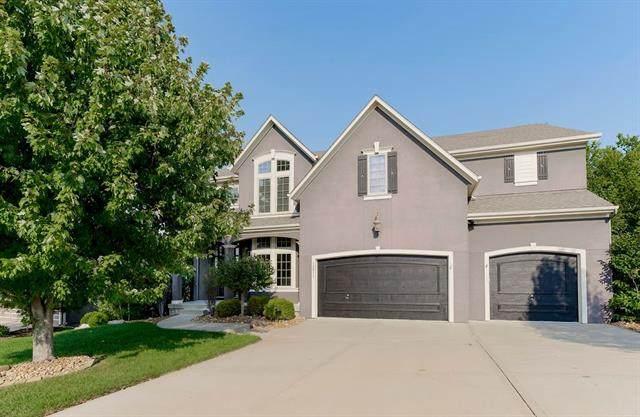 13011 W 54th Terrace, Shawnee, KS 66216 (#2344481) :: Five-Star Homes