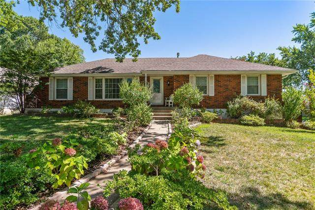 800 NW 12th Street, Blue Springs, MO 64015 (#2344486) :: The Shannon Lyon Group - ReeceNichols