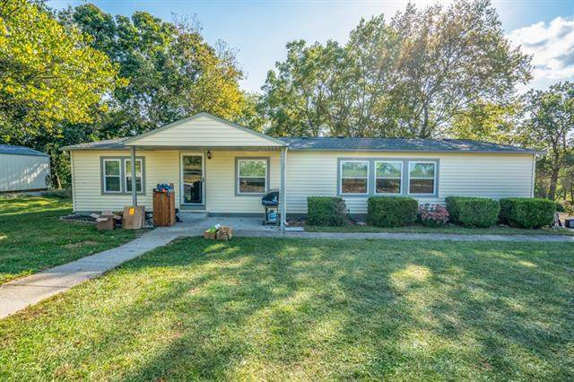 31495 Lyman Lane, Excelsior Springs, MO 64024 (#2344509) :: The Rucker Group