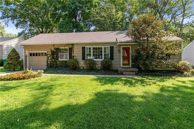 5527 Cedar Street, Roeland Park, KS 66205 (#2344588) :: Tradition Home Group | Compass Realty Group