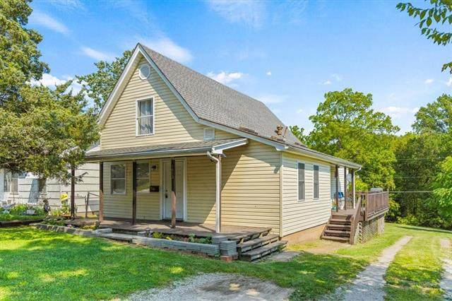 1413 S Harris Avenue, Independence, MO 64052 (#2344617) :: Tradition Home Group | Compass Realty Group