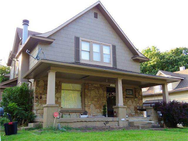 1208 N Spring Street, Independence, MO 64050 (#2344636) :: Eric Craig Real Estate Team