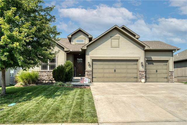 12430 Farrow Avenue, Kansas City, KS 66109 (#2344641) :: Eric Craig Real Estate Team