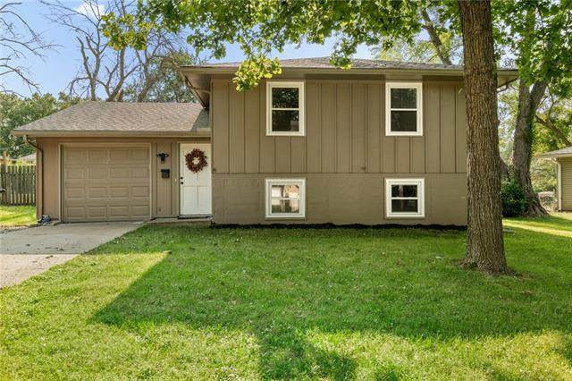 911 Ridge Drive, Belton, MO 64012 (#2344656) :: Tradition Home Group   Compass Realty Group