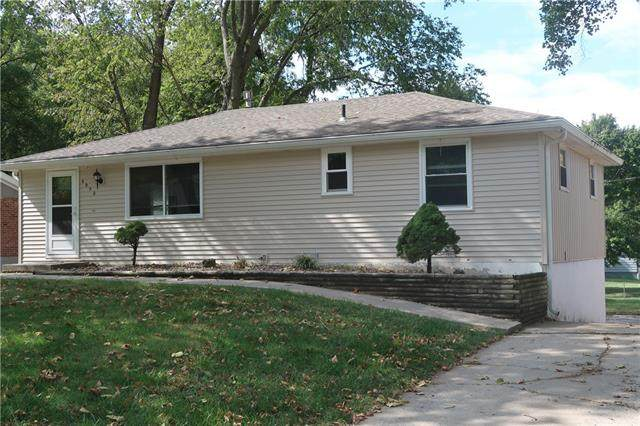 6950 N Hickory Street, Kansas City, MO 64118 (#2344772) :: Audra Heller and Associates