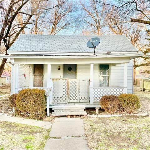 313 E Allison Street, Nevada, MO 64772 (#2344777) :: Eric Craig Real Estate Team