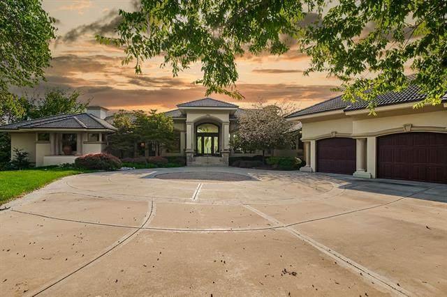 26724 W Greentree Court, Olathe, KS 66061 (#2344826) :: Team Real Estate