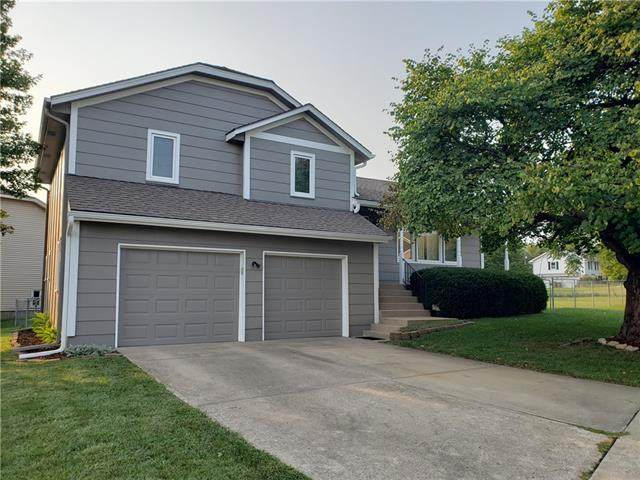 512 S Silver Top Lane, Raymore, MO 64083 (#2344932) :: The Shannon Lyon Group - ReeceNichols