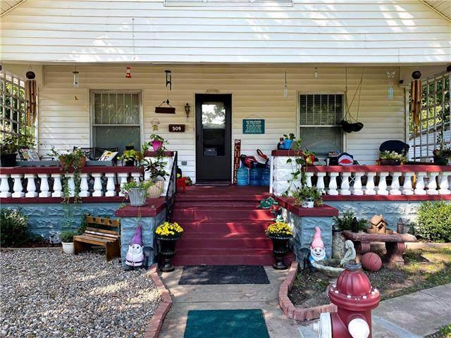 509 E Locust Street, Nevada, MO 64772 (#2345045) :: Eric Craig Real Estate Team