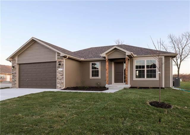 808 SW 8th Terrace, Oak Grove, MO 64075 (#2345088) :: Dani Beyer Real Estate