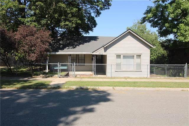 1703 Jones Street, St Joseph, MO 64501 (#2345105) :: Eric Craig Real Estate Team