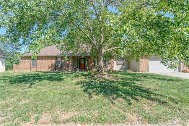 12904 E 59th Terrace, Kansas City, MO 64133 (#2345195) :: Tradition Home Group   Compass Realty Group