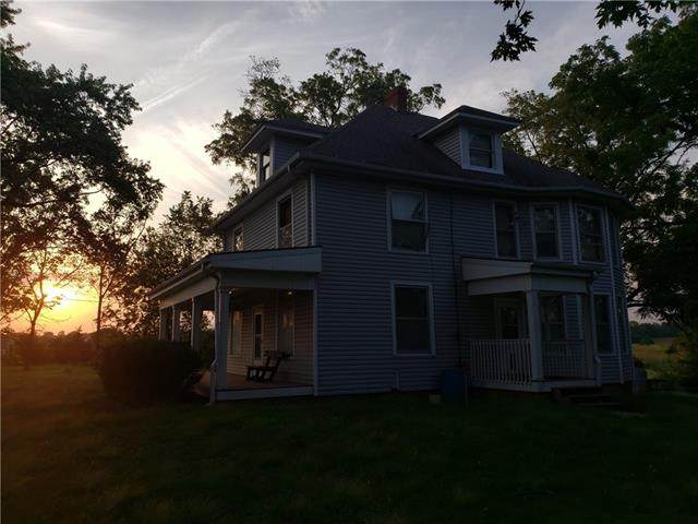 5201 Cook Road, St Joseph, MO 64505 (#2345214) :: Eric Craig Real Estate Team