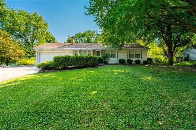 4411 Claremont Avenue, Kansas City, MO 64133 (#2345251) :: Ron Henderson & Associates