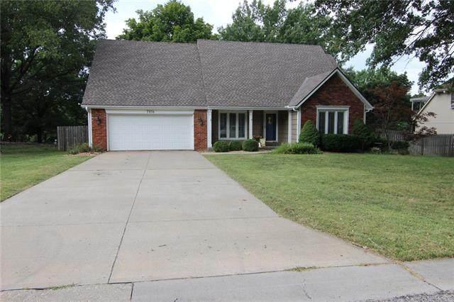 7614 Haskins Street, Lenexa, KS 66216 (#2345277) :: Tradition Home Group | Compass Realty Group