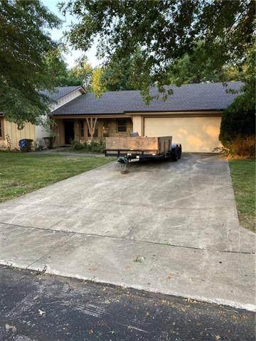 18812 Sunrise Drive, Belton, MO 64012 (#2345301) :: Austin Home Team