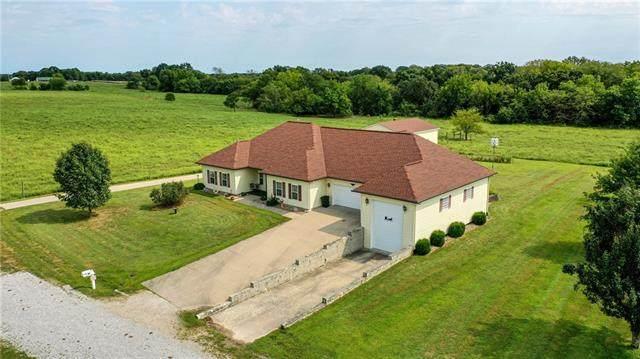 112 N Deercreek Drive, Clinton, MO 64735 (#2345305) :: Austin Home Team
