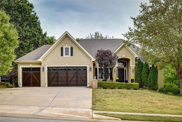 7849 N Dawn Avenue, Kansas City, MO 64151 (#2345505) :: Audra Heller and Associates