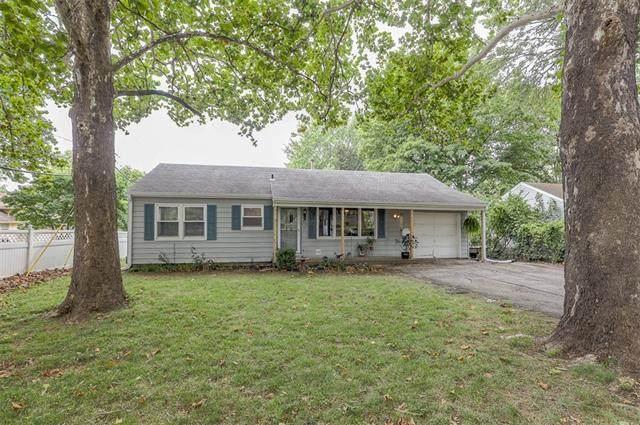 9102 Main Street, Kansas City, MO 64114 (#2345528) :: Five-Star Homes
