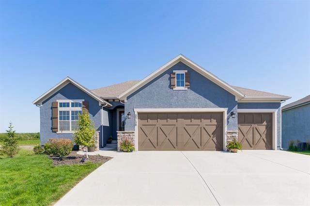 25150 W 112th Terrace, Olathe, KS 66061 (#2345531) :: Team Real Estate