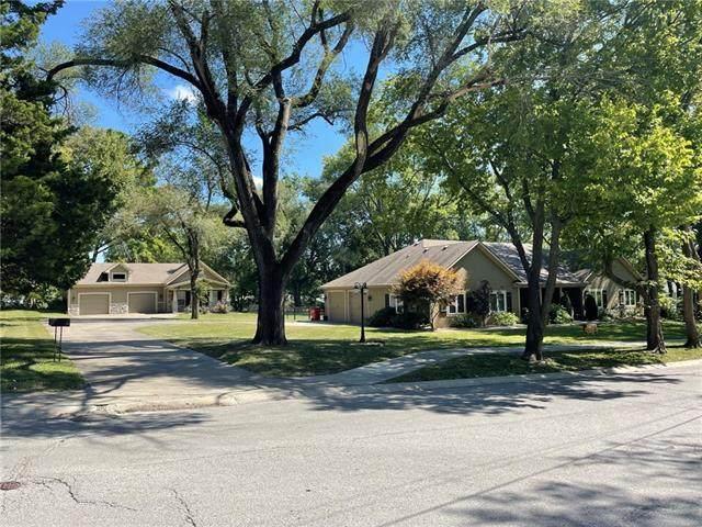 520 NW 10th Street, Blue Springs, MO 64015 (#2345577) :: Dani Beyer Real Estate