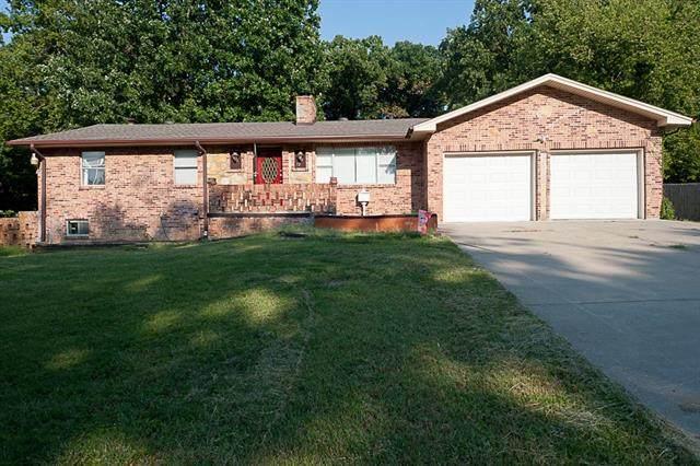 7205 Eastern Avenue, Kansas City, MO 64133 (#2345663) :: The Rucker Group