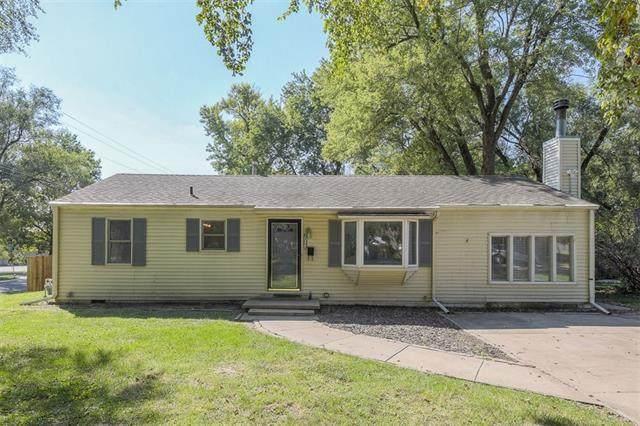 7048 Garnett Street, Shawnee, KS 66203 (#2345683) :: The Kedish Group at Keller Williams Realty