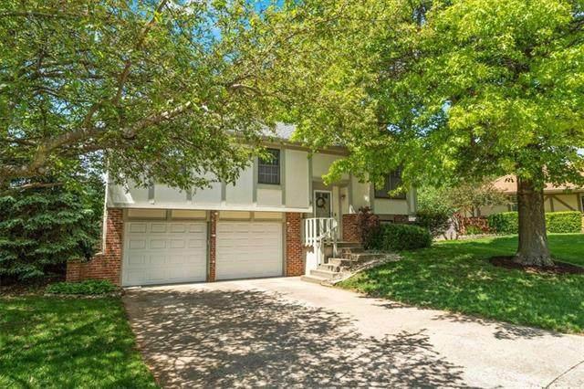 15709 W 126TH Terrace, Olathe, KS 66062 (#2345687) :: Team Real Estate