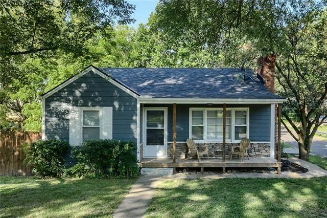 2700 S 38th Street, Kansas City, KS 66106 (#2345695) :: Eric Craig Real Estate Team