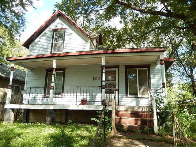 123 S Oak Street, Ottawa, KS 66067 (#2345697) :: Dani Beyer Real Estate