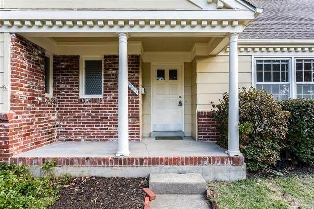 10227 Oakridge Circle, Overland Park, KS 66212 (#2345740) :: Five-Star Homes