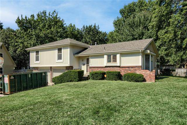 1805 NW Hunters Dell Court, Blue Springs, MO 64014 (#2345821) :: Ask Cathy Marketing Group, LLC