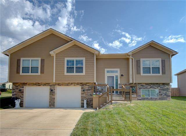 1217 N Old Mill Road, Independence, MO 64056 (#2345851) :: The Shannon Lyon Group - ReeceNichols