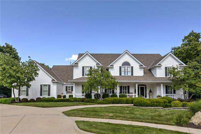 715 Westwoods Drive, Liberty, MO 64068 (#2345859) :: The Rucker Group