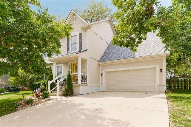 101 NE Paseo Place, Blue Springs, MO 64014 (#2345863) :: Five-Star Homes