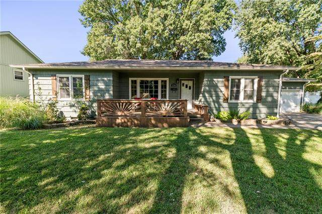 3336 S Evanston Avenue, Independence, MO 64052 (#2345924) :: Dani Beyer Real Estate