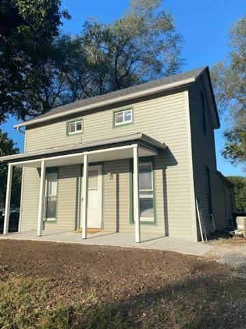906 Cherokee Street, Oskaloosa, KS 66066 (#2345947) :: The Shannon Lyon Group - ReeceNichols