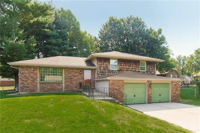 2317 Madrid Court, Blue Springs, MO 64015 (#2345952) :: The Rucker Group